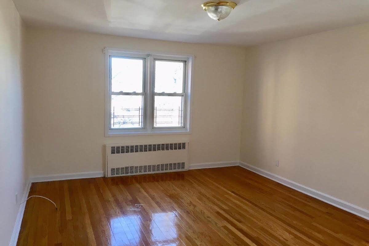 Apartment Avenue  Queens, NY 11415, MLS-RD1672-6