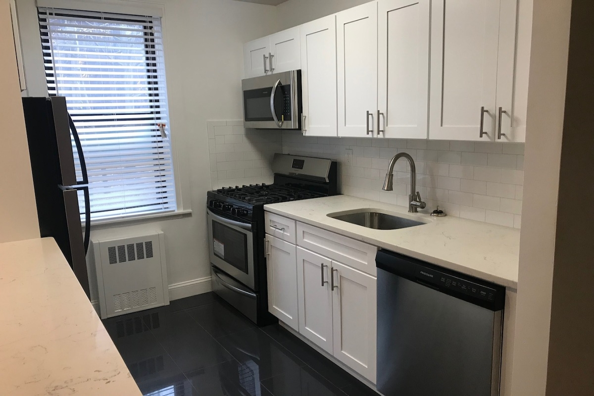 Apartment in Briarwood - Avenue  Queens, NY 11435