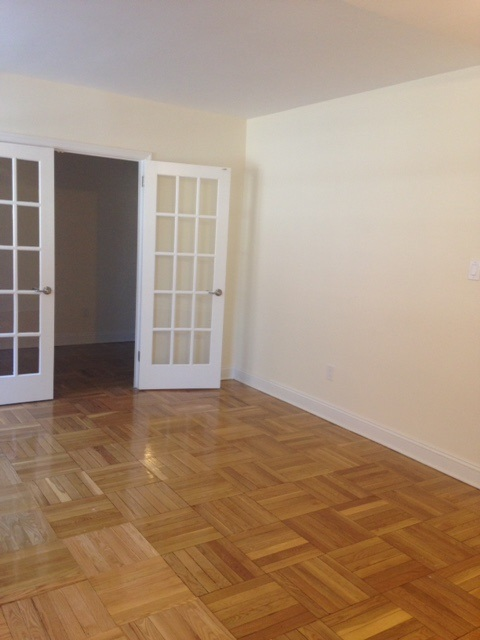 Apartment 150 St  Queens, NY 11367, MLS-RD1856-14