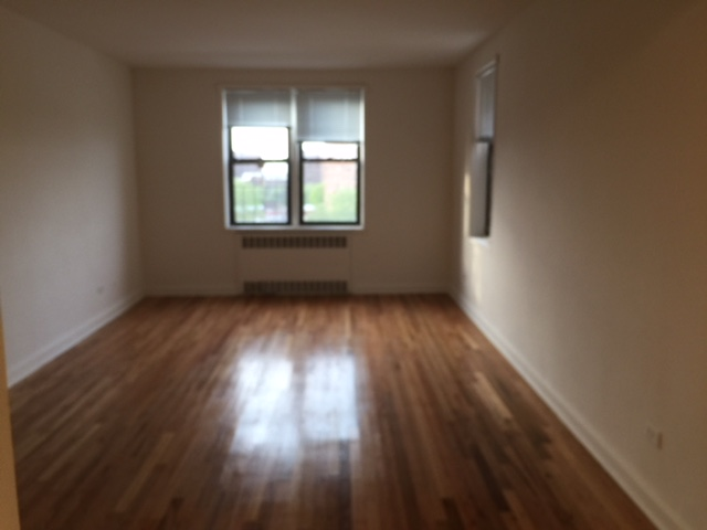 Apartment in Rego Park - 66th Avenue  Queens, NY 11374