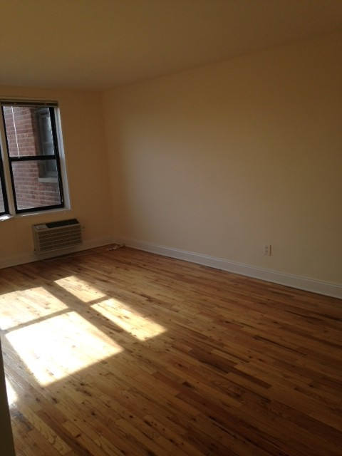 Apartment Ava Place  Queens, NY 11432, MLS-RD1970-3