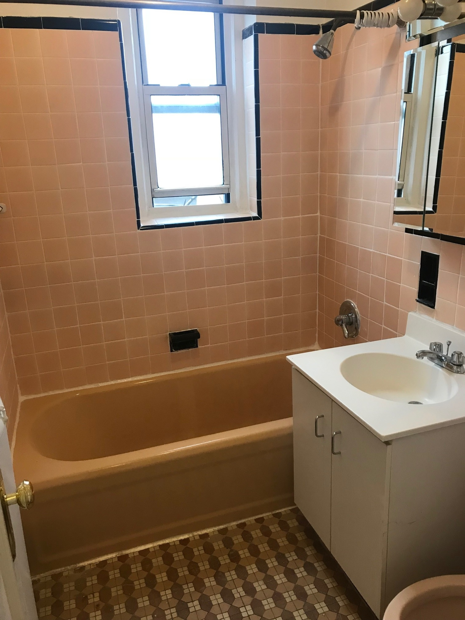 Apartment in Forest Hills - 108th Street  Queens, NY 11375