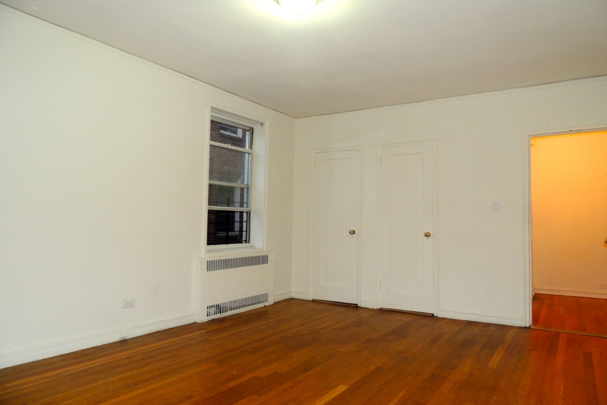 Apartment 118th Street  Queens, NY 11415, MLS-RD2028-8