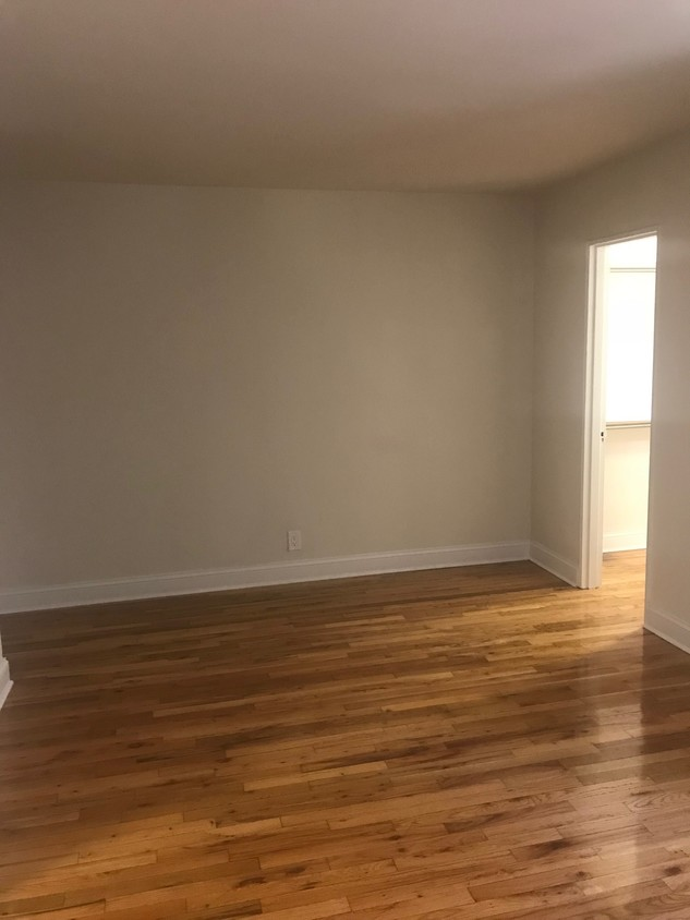 Apartment 35th Avenue  Queens, NY 11372, MLS-RD2198-4