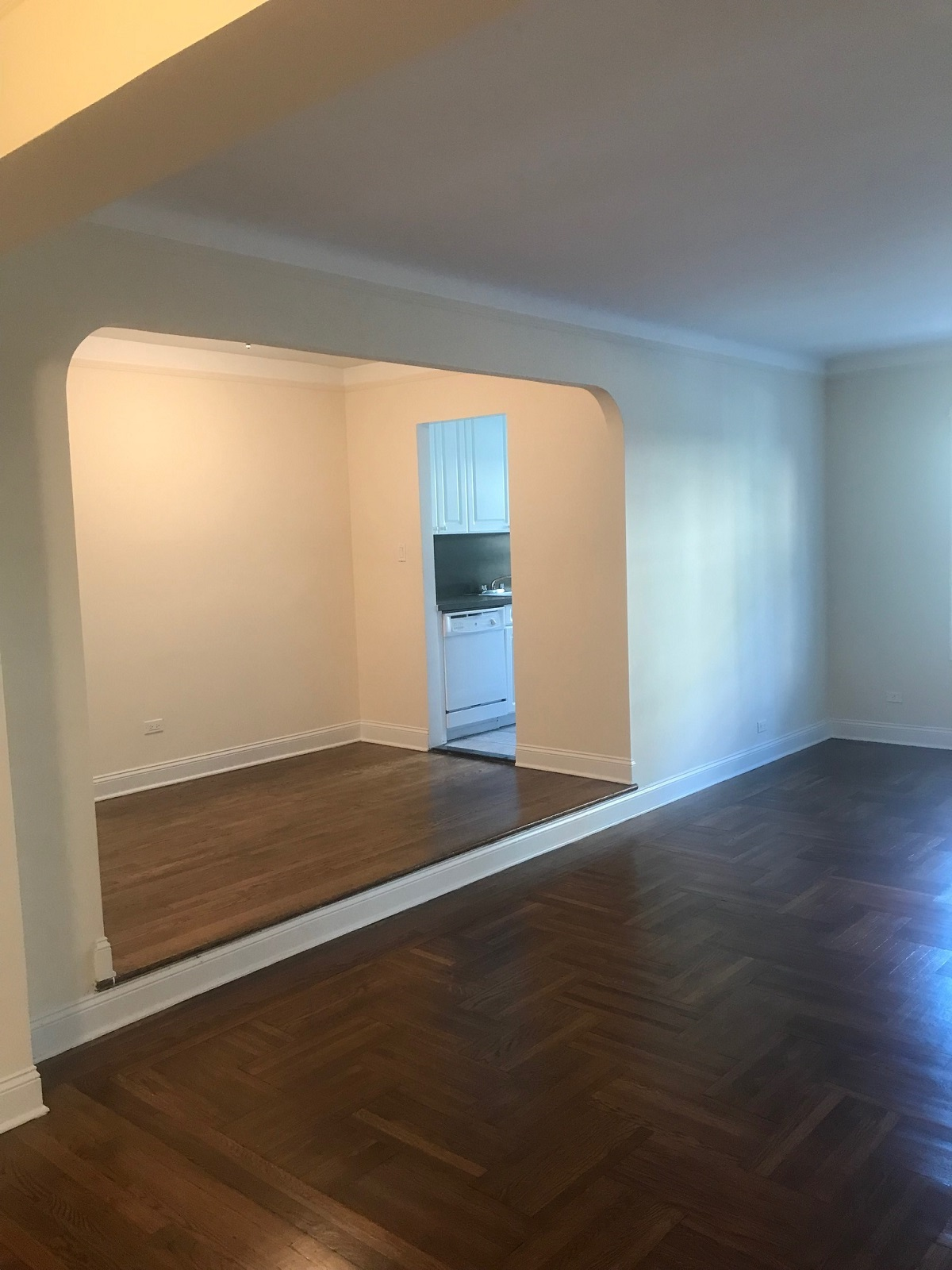 Apartment Forest Hills Ny 11375  Queens, NY 11375, MLS-RD2220-4