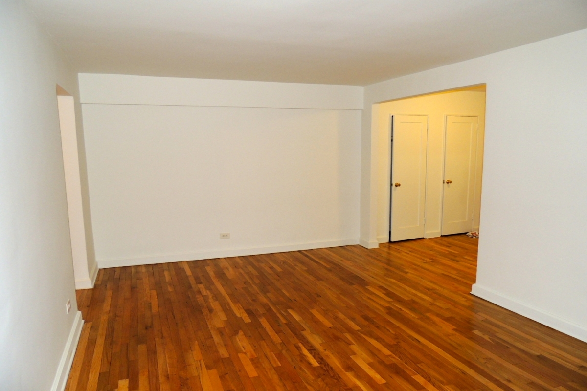 Apartment in Briarwood - 135th Street  Queens, NY 11435