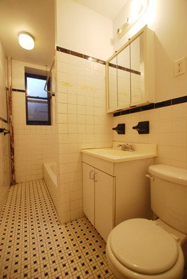 Apartment in Flushing - Beech Avenue  Queens, NY 11355