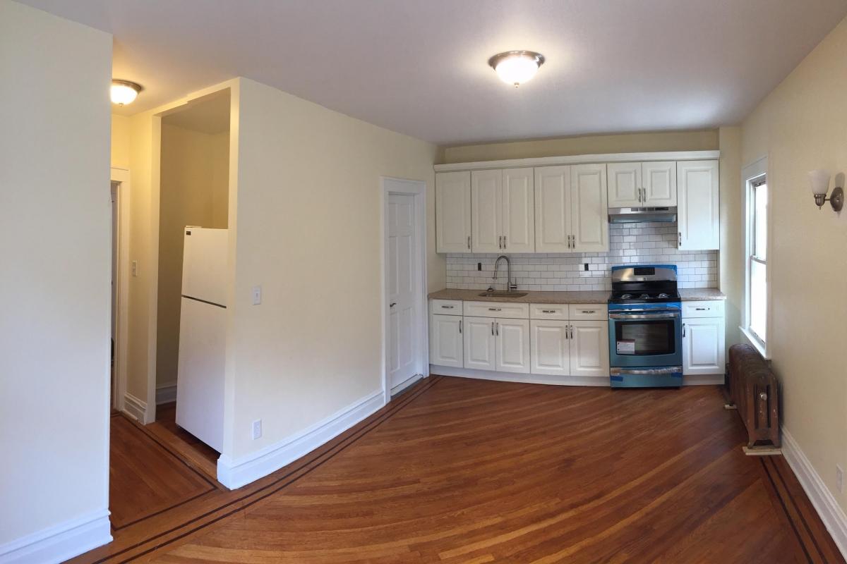 Apartment in Kew Gardens - Lefferts Blvd  Queens, NY 11415