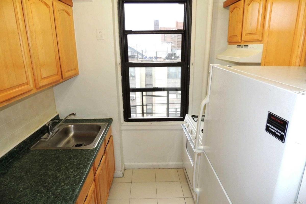 64th Avenue  Queens, NY 11374, MLS-RD3124-6