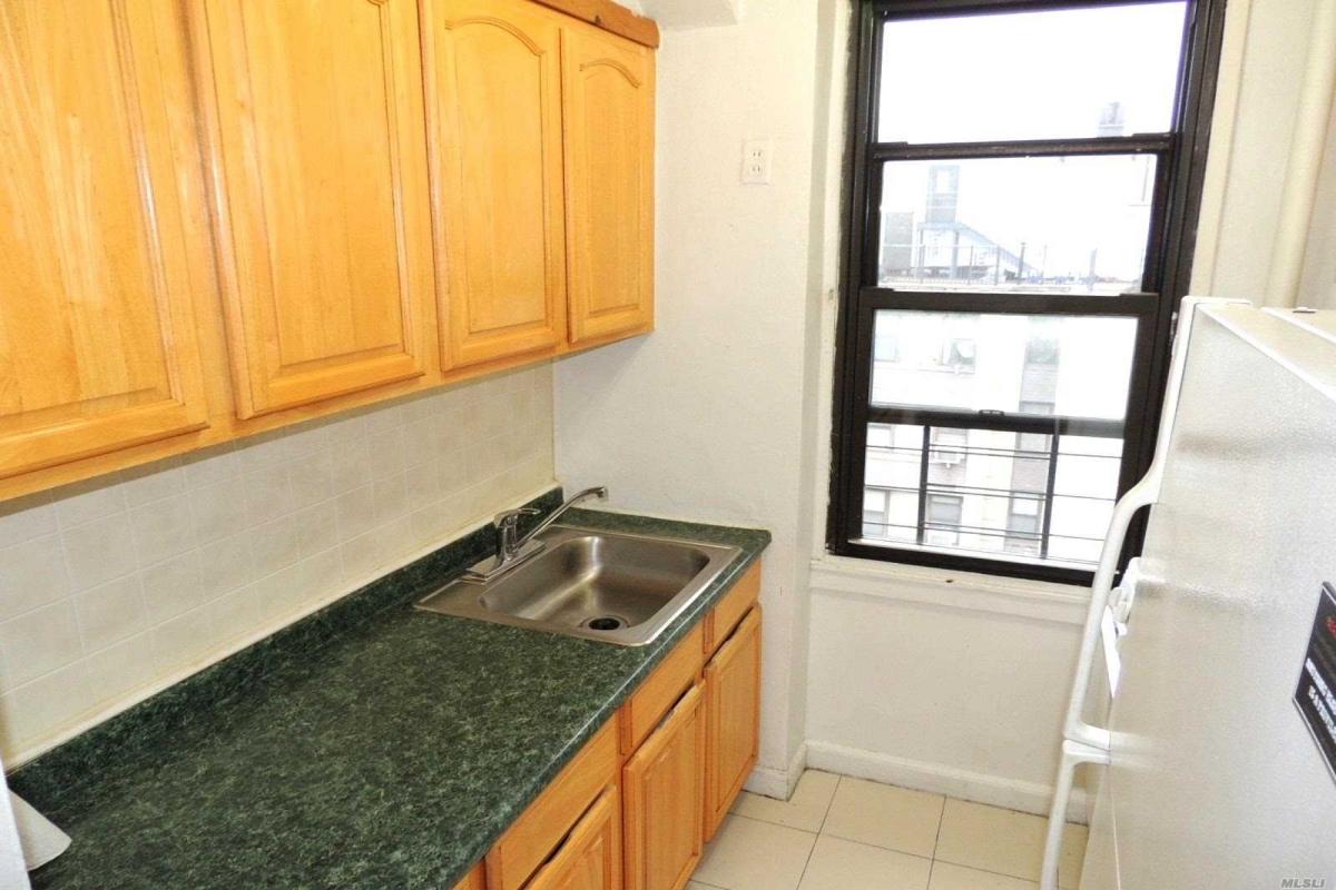 64th Avenue  Queens, NY 11374, MLS-RD3124-7