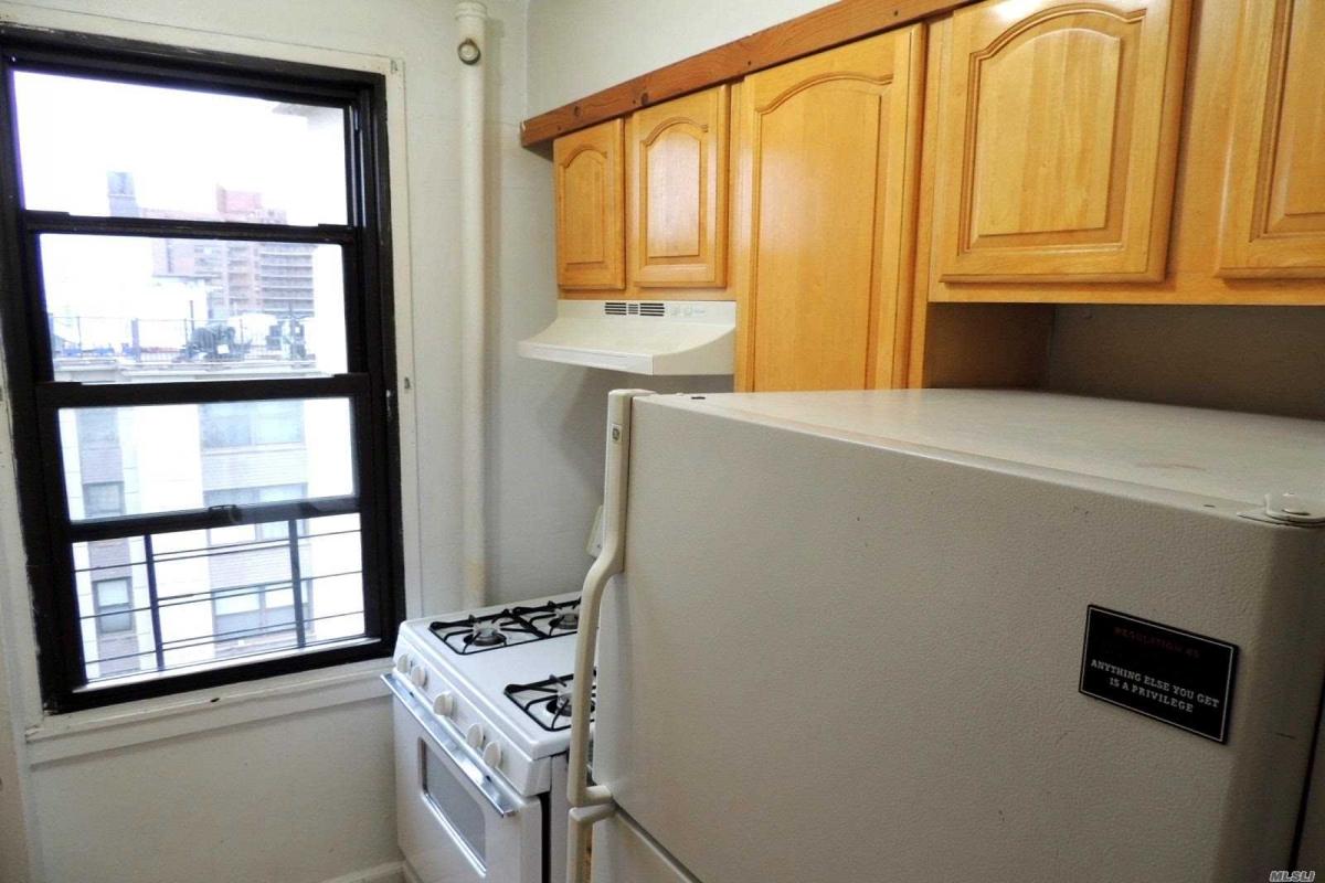 64th Avenue  Queens, NY 11374, MLS-RD3124-8