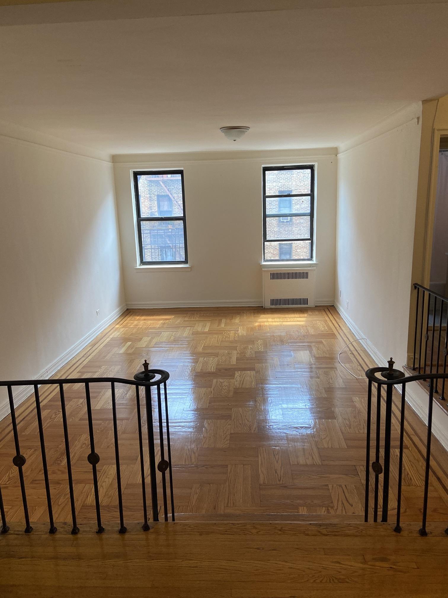 Apartment in Elmhurst - Elmhurst Avenue  Queens, NY 11373