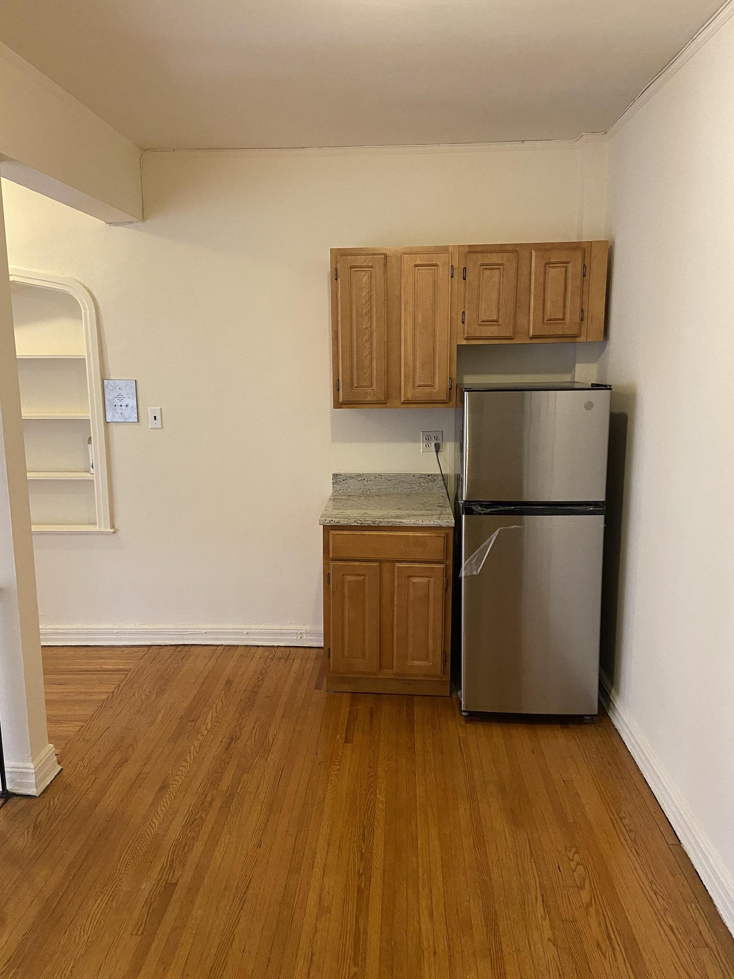 Apartment Elmhurst Avenue  Queens, NY 11373, MLS-RD3817-3