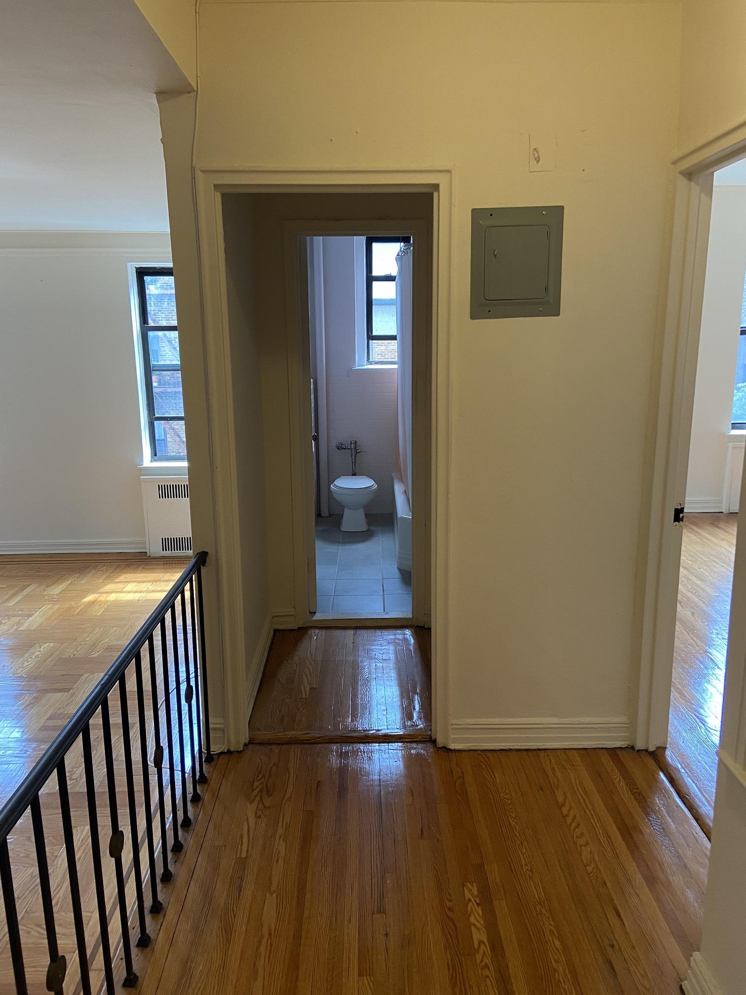 Apartment Elmhurst Avenue  Queens, NY 11373, MLS-RD3817-6