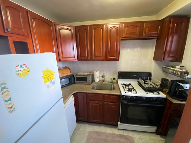 Coop 98th St  Queens, NY 11374, MLS-RD4041-9