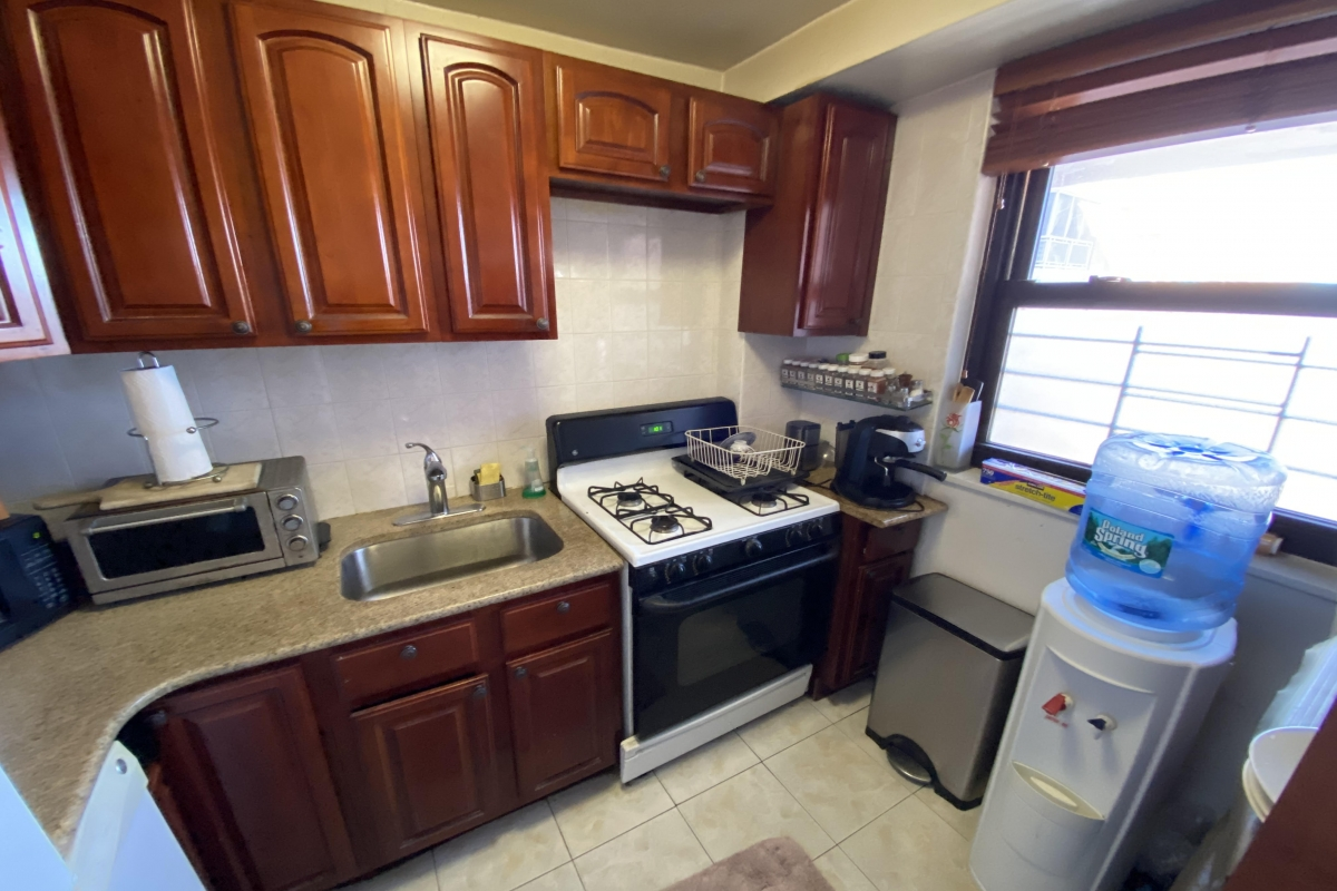Coop 98th St  Queens, NY 11374, MLS-RD4041-21