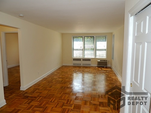 Apartment Ava Place  Queens, NY 11432, MLS-RD1366-2