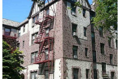 Coop in Rego Park - Saunders St  Queens, NY 11374