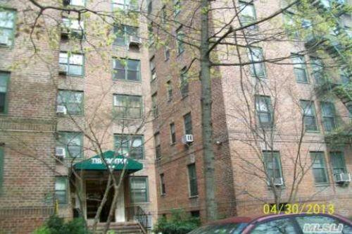 Coop in Briarwood - Burden Cres  Queens, NY 11435
