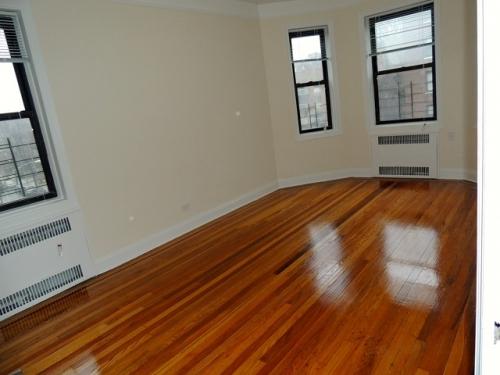 Apartment in Jamaica Estates - Highland Avenue  Queens, NY 11432