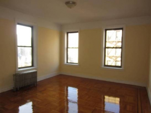 Apartment in Sunnyside - 49th Street  Queens, NY 11104